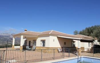 Riogordo,Malaga,Andalucia,Spain 29180,3 Bedrooms Bedrooms,1 BathroomBathrooms,House/Cottage,3745