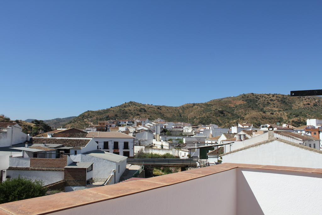 Riogordo,Malaga,Andalucia,Spain 29180,2 Bedrooms Bedrooms,1 BathroomBathrooms,Townhouses,3803