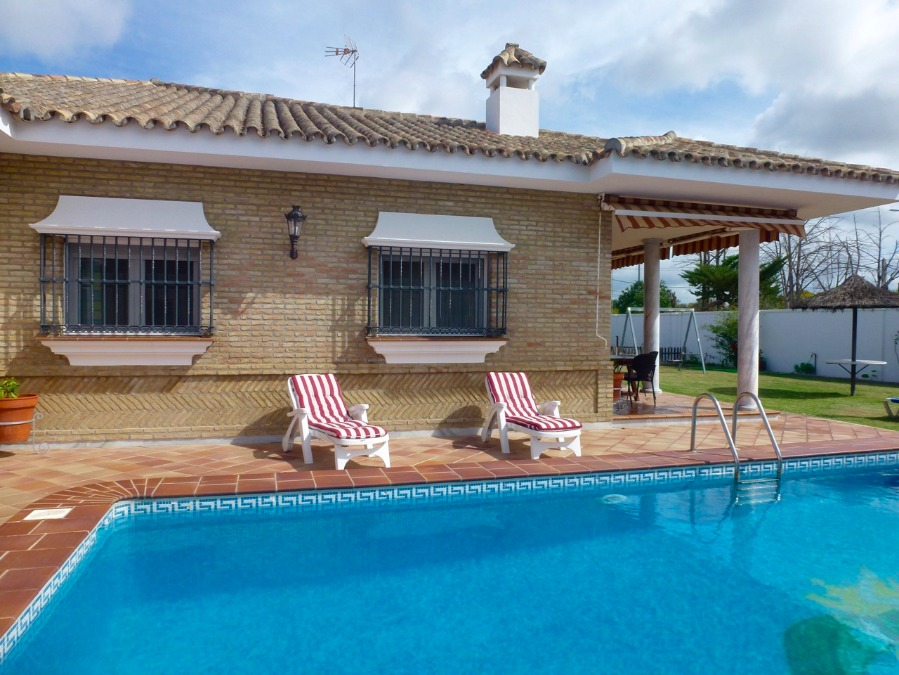 6 Las lagunas, Chiclana de La Frontera, Cadiz, Andalucia, Spain 11130, 4 Bedrooms Bedrooms, ,3 BathroomsBathrooms,Villa,For sale,El veleta,Las lagunas ,3812