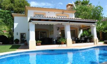 Avenida Jose Orbaneja, Mijas-Costa, Malaga, Andalucia, Spain 29649, 3 Bedrooms Bedrooms, ,2 BathroomsBathrooms,Villa,For sale,Avenida Jose Orbaneja,3852