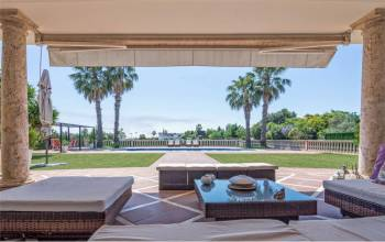 Mairena Del Aljarafe, Sevilla, Andalucia, Spain 41927, 7 Bedrooms Bedrooms, ,5 BathroomsBathrooms,Villa,For sale,3940